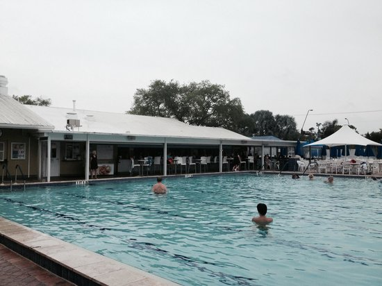 Sun N Fun Resort and Campground: By the pool