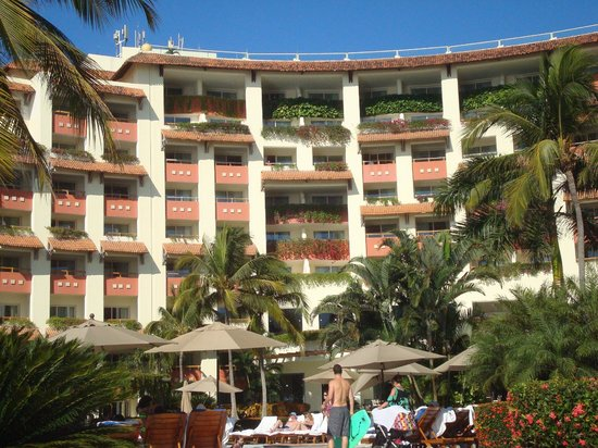 Grand Velas Riviera Nayarit : close up of balconies which all face ocean