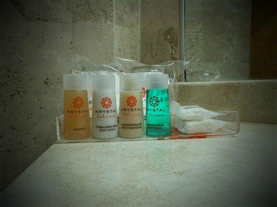 Krystal Ixtapa: Baño de la habitación