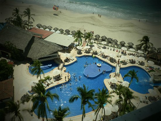 Krystal Ixtapa : Alberca