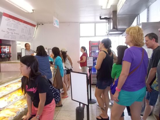 Leonard's Bakery: People ordering and waiting patiently