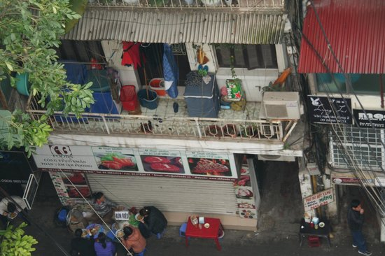 Hanoi Elegance Emerald Hotel: view from window Room 402