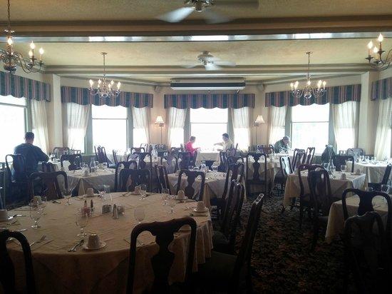 The Bethel Inn Resort: Where midweek breakfast was served