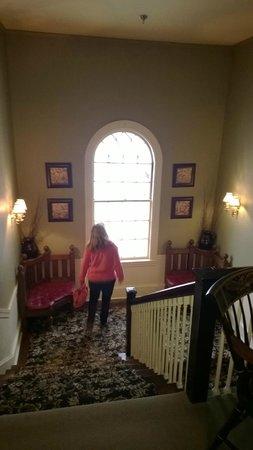 The Bethel Inn Resort: looking down the stairway