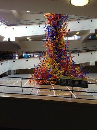 Children's Museum of Indianapolis : Glass Sculpture