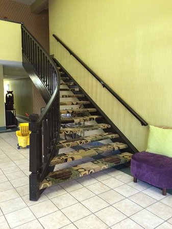 Quality Inn: Stairs