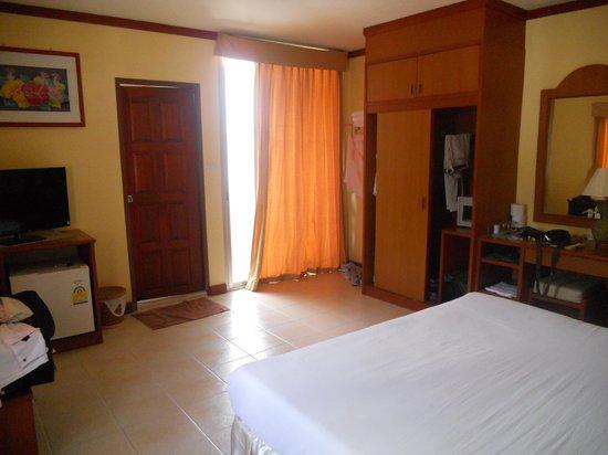 Priew Wan Guesthouse: La mia stanza in Marzo 2014
