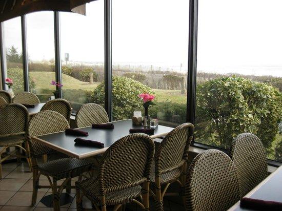 Schooners: Restaurant view of the ocean