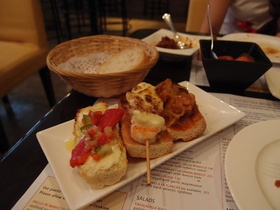 Tapas Cafe : happy hour tapas
