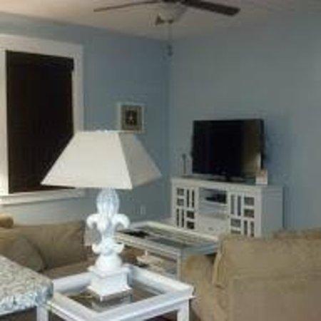 North Beach Plantation: Living Room