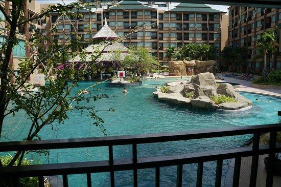 Novotel Phuket Vintage Park : Фото из номера на бассейн