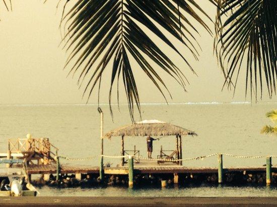 Va-i-Moana Seaside Lodge: View of jetty