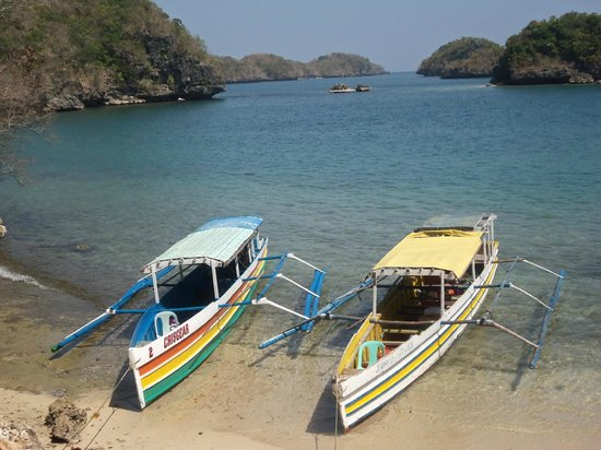 Hundred Islands: Our outrigger canoes