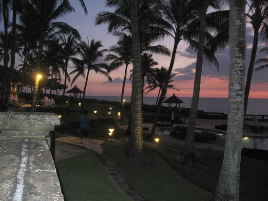 Pan Pacific Nirwana Bali Resort: Paradise at night