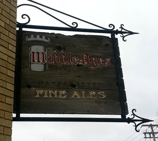 Middle Ages Brewing Company: Front entrance