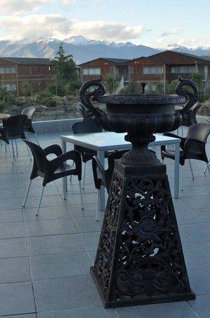 Oakridge Resort Lake Wanaka: Outdoor lounge area