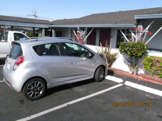 Ramada Limited Monterey: parking