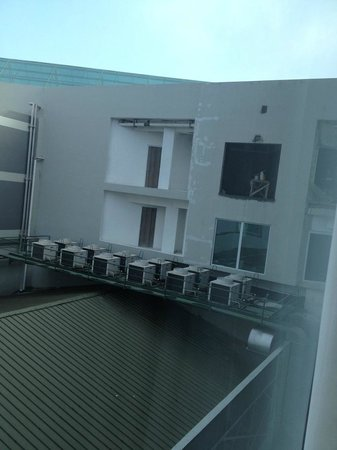 Aston Primera Pasteur Hotel & Conference Center: View from 7th Floor Room - Other Side