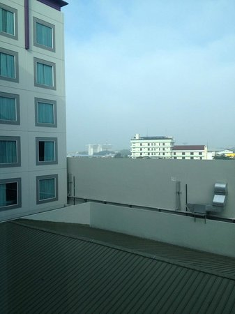 Aston Primera Pasteur Hotel & Conference Center: View from 7th Floor Room