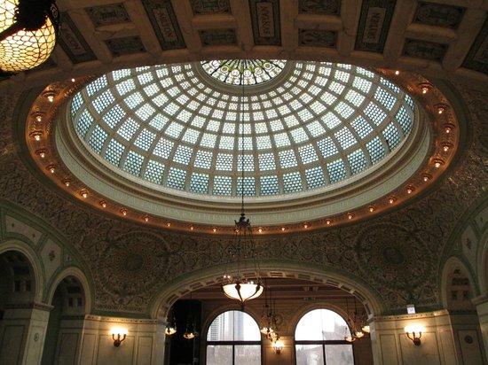 Chicago's Finest Tours : Visit to Cultural Center on Pedway Tour!