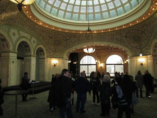 Chicago's Finest Tours : Cutural Center