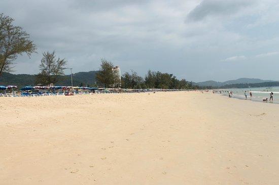 The Natural Resort : пляж Карон,где песок под ногами скрипит как снег
