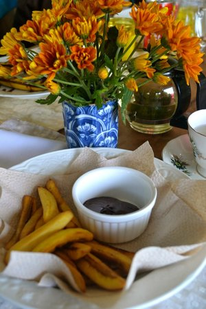 Marcia Adams Restaurant: Fried Banana with Nutella Dip