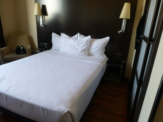 AC Hotel Valencia: small space but serves the purpose