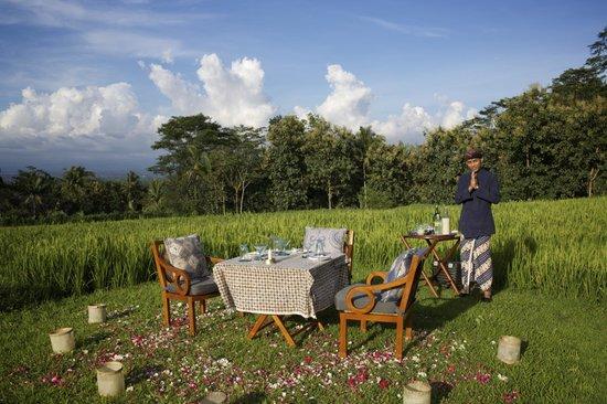 Amanjiwo Resorts : Ready for sunset drinks?