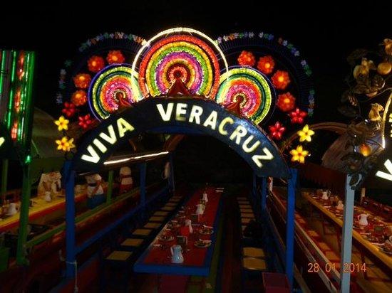 Hotel Riu Cancun: Una trajinera de Xochimilco