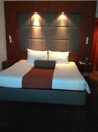 Amari Watergate Bangkok: The best bed I have slept in, in any hotel in the world....period!