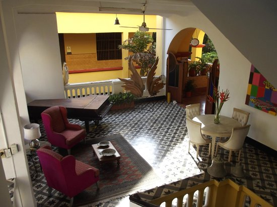 El Claustro Hotel House : One of the sitting areas