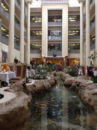 Dariush Grand Hotel: Restaurant