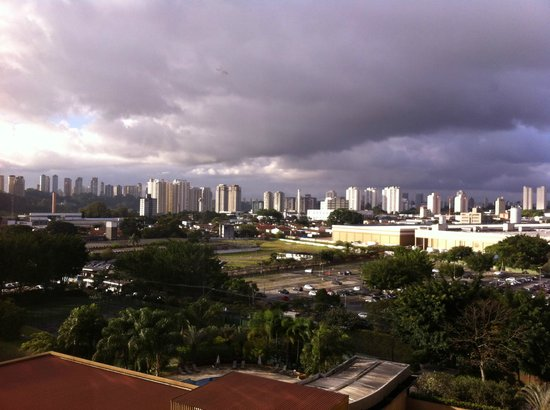 Hotel Transamerica Sao Paulo: View of downtown.