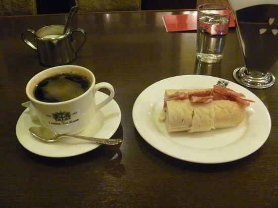 London Tea Room : モーニングセット ¥350