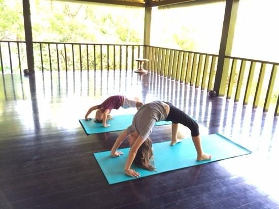 COMO Uma Ubud, Bali: our kids in yoga pavilion