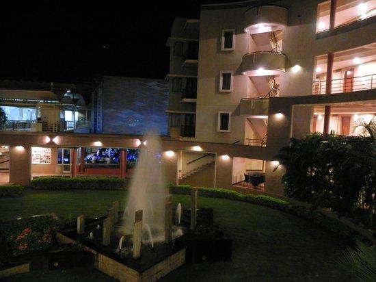 Hotel Malligi: courtyard