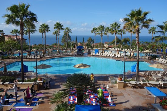 Marriott's Newport Coast Villas: View from the resort lobby overlooking the pools and towards the Pacific Ocean