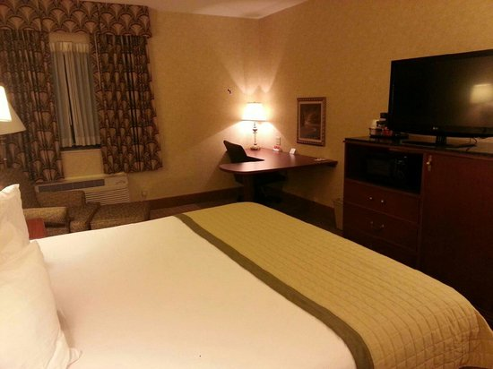 Baymont Inn & Suites Indianapolis South: Beautiful, large, clean
