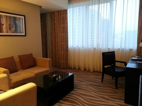 Cristal Hotel Abu Dhabi : Living Room