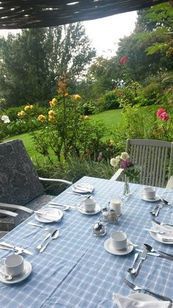 Pleasant Places Guesthouse : Breakfast