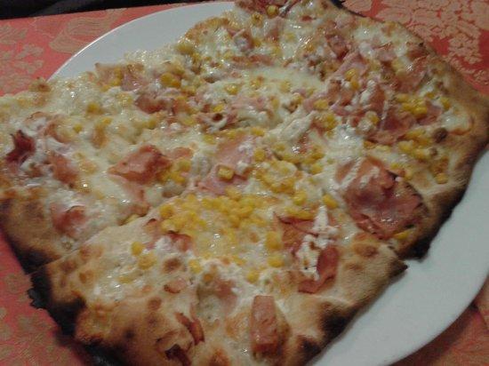 La Carmencita: Pizza panna prosciutto e mais