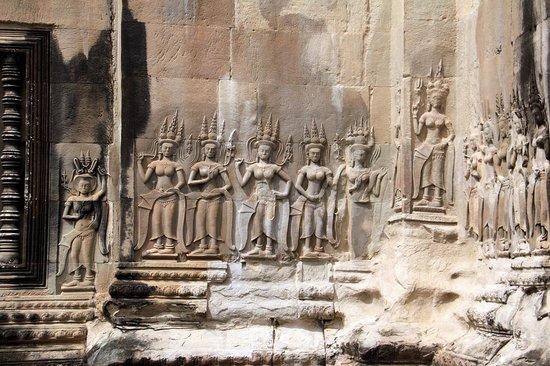 Khemara Angkor Hotel & Spa: Барельефы Ангкор-Вата