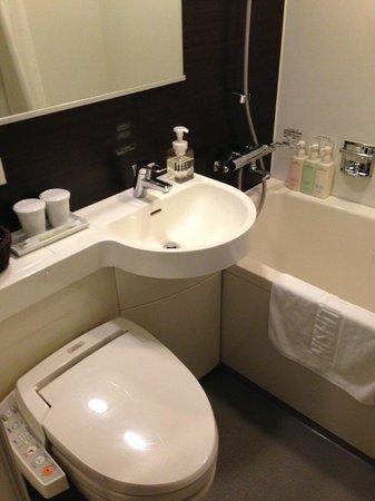 Nishitetsu Inn Nagoyanishiki: バスルーム