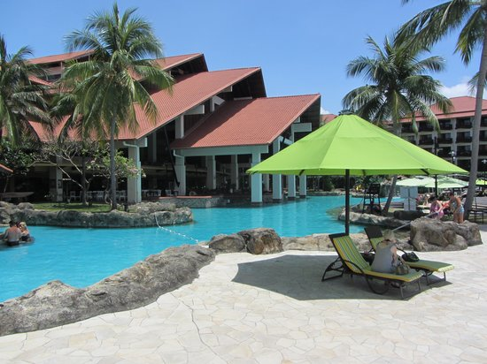 Sutera Harbour Resort (The Pacific Sutera & The Magellan Sutera): lovely large pool