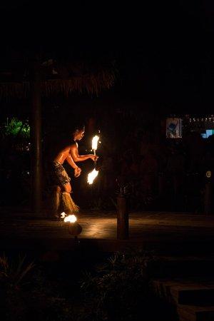 Te Vara Nui Village: Flame Dancers