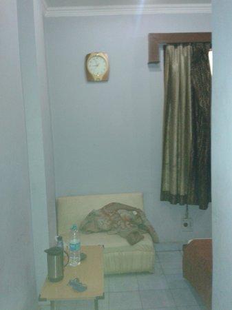 Hotel Maanvi : Room