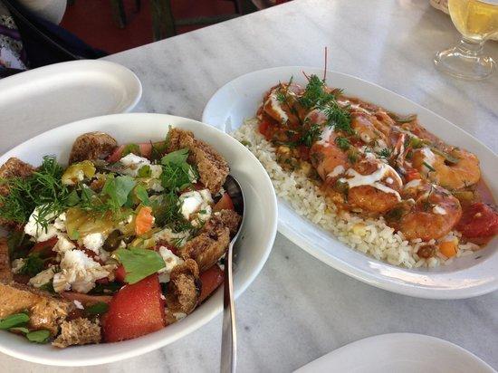 Lotza: ギリシャ風サラダと、エビのお料理