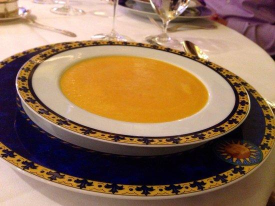 Le Ciel by Toni Morwald: Delicious carrot-cream soup