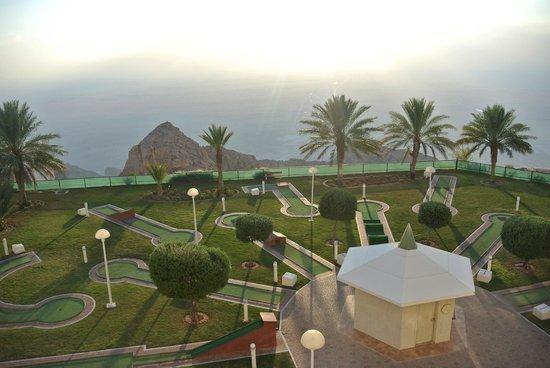 Mercure Grand Jebel Hafeet Al Ain: Вид из номера на гольф